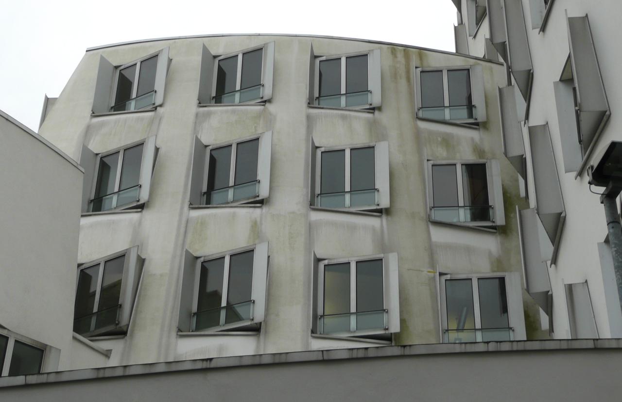 01 Duesseldorf 2010 Bauphase Fassadenbau Gehry Bauten Ceranski