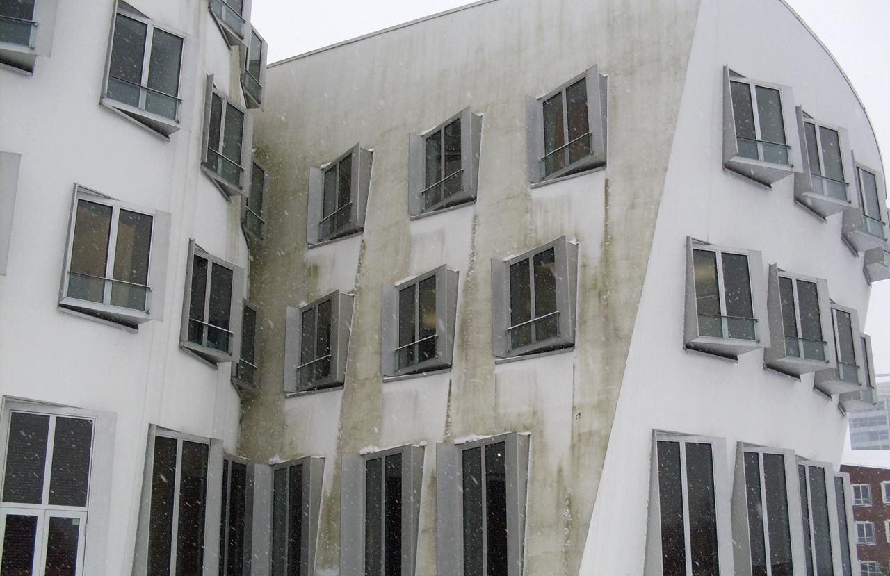 03 Duesseldorf 2010 Bauphase Fassadenbau Gehry Bauten Ceranski