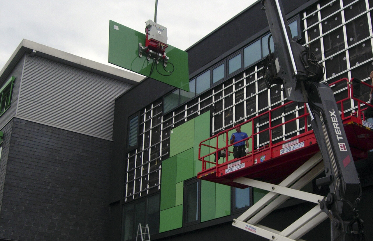 05 Bochum 08 2010 Bauphase Fassadenbau Glasfassade Umbau Aufstockung Buerogebaeude Ceranski
