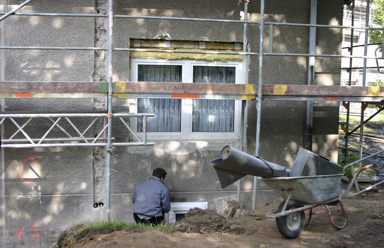 06 Koeln 05 2005 Bauphase Fassadenbau Waermedaemmung Mehrfamilienhauser Ceranski