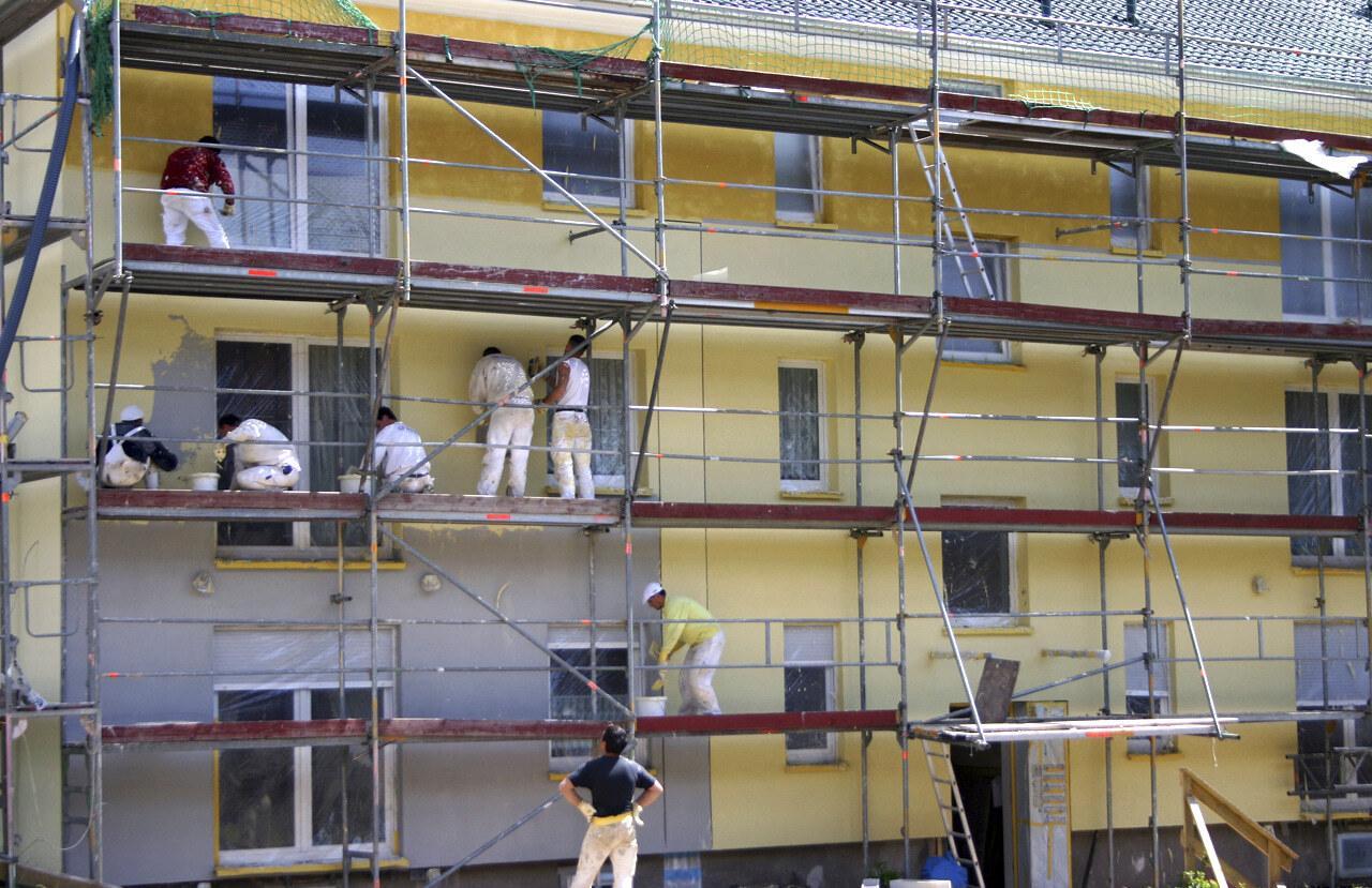 07 Koeln 05 2005 Bauphase Fassadenbau Waermedaemmung Mehrfamilienhauser Ceranski