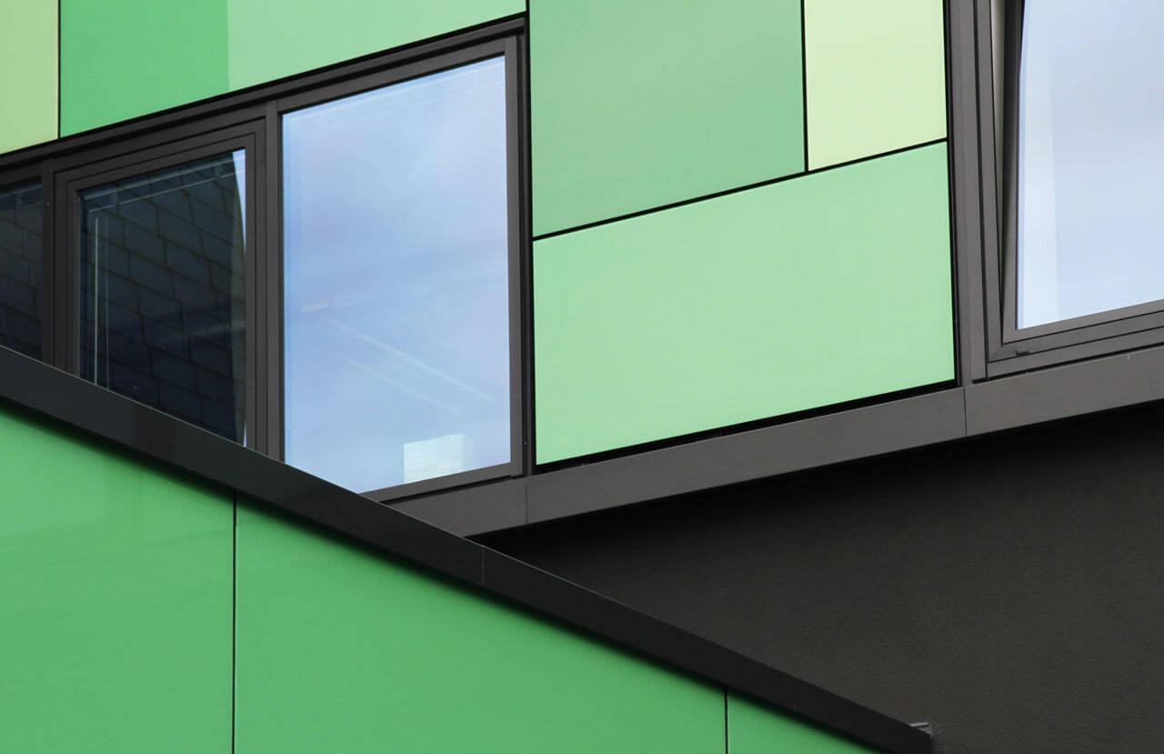 08 Bochum 08 2010 Fassadenbau Glasfassade Umbau Aufstockung Buerogebaeude Ceranski
